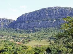 Soutpansberg near Louis Trichardt I Am An African, African States, Louis Trichardt, Beautiful Images, Beautiful Homes, North West, South Africa, Southern, Mountains