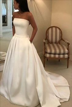 strapless wedding dress with pockest Princess Style Wedding Dresses, Elegant Wedding Dress, Wedding Gowns, Bridal Dresses, Prom Dresses, Corsage, Champagne Dress, Wedding Dress With Pockets, Satin Gown