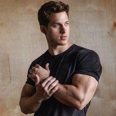 Nick Sandell es el modelo MÁS deseado del 2017 en Instagram; TODAS estamos de acuerdo