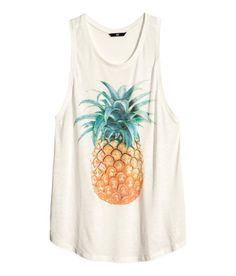 Top with Pineapple Print. I LOVE pineapples. Pineapple Print, Pineapple Top, Pineapple Express, Pineapple Clothes, Festivals, Summer Outfits, Cute Outfits, Look Fashion, Outfits