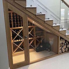 35 beliebte Weinkeller-Ideen unter der Treppe 35 popular wine cellar ideas under the stairs Basement Renovations, Home Renovation, Home Remodeling, Boho Glam Home, Basement Stairs, Basement Ideas, Basement Shelving, Basement Workshop, Storage Stairs