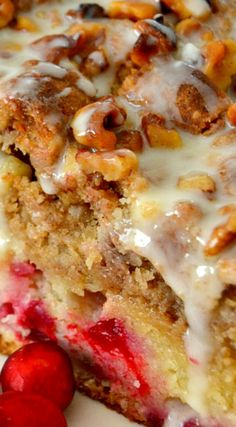 Cranberry Walnut Crumb Cake ~ So impressive and surprisingly easy to make... A real showstopper for the holidays.