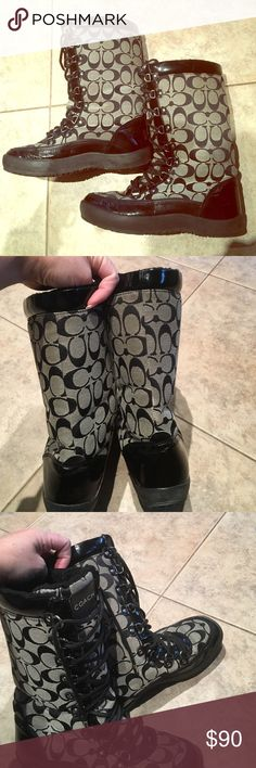 Timeless Signature Grey/Black Coach Winter Boot Timeless Authentic Signature Coach Winter Boot. Great In Rain And Snow. Gently Worn, Size 7.5 Coach Shoes Winter & Rain Boots