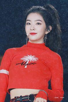 Korean Fashion On The Streets Of Paris Seulgi, Red Velvet アイリーン, Red Velvet Irene, Velvet Style, Park Sooyoung, Kpop Girl Groups, Kpop Girls, Korean Girl, Asian Girl