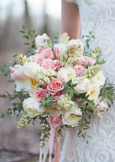 A blush wedding bouquet. Perfect for a spring wedding. Summer Wedding Bouquets, Bride Bouquets, Floral Bouquets, Pink Bouquet, Tulip Bouquet Wedding, Greenery Bouquets, Bouquet Flowers, Bridal Bouquet Diy, Summer Wedding Flowers