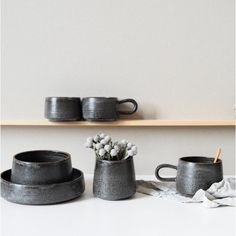 Bol en grès - Laurence Labbé Ceramic Tableware, Wedding Table, Floating Shelves, Table Decorations, Laurence, Diy, Inspiration, Home Decor, Collection
