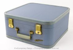 GORGEOUS LADY BALTIMORE VINTAGE LIGHT BLUE HARD CASE SUITCASE LUGGAGE WITH KEY #LADYBALTIMORE