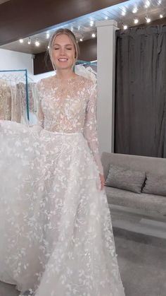 Wedding Dress Cape, Modest Wedding Dresses With Sleeves, Simple Wedding Gowns, Classic Wedding Dress, Ivory Wedding, Dream Wedding Dresses, Bridal Dresses, Bridesmaid Saree, African Wedding Attire