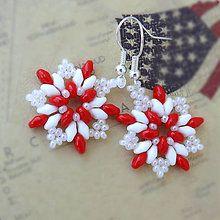 Náušnice - Náušnice: Červeno-biele kvetinohviezdy - 5748869_