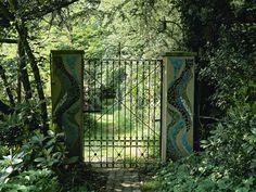 Traditional Garden: .