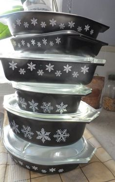 Black and white pyrex