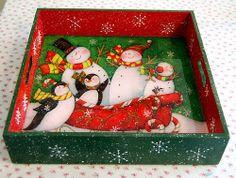 Christmas Decoupage, Christmas Plates, Christmas Design, Christmas Themes, Vintage Christmas, Christmas Crafts, Christmas Ornaments, Cardboard Crafts, Wooden Crafts