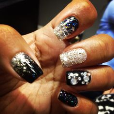 Glitter sparkly New Years nails