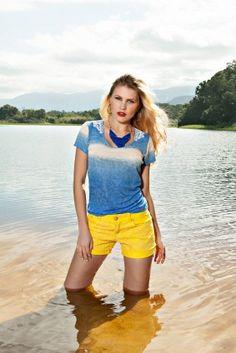 T-shirt degradê com guipir nas costas e Shorts de guipir! Foto Linda!