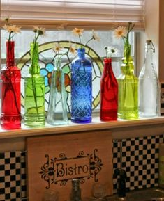 I've always loved colored bottles setting on window sills with the sun shining through. Cozy Cottage, Cozy House, Cottage Style, Cottage Ideas, Cosy Kitchen, Kitchen Redo, Kitchen Ideas, Apartment Kitchen, Apartment Living