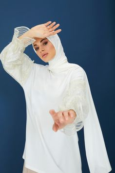 The perfect addition to any Muslimah outfit, shop Rabia Z X Modanisa's stylish Muslim fashion Ecru - Crew neck - Cotton - Tunic. Find more Tunic at Modanisa! Muslim Fashion, Modest Fashion, Cotton Tunics, Crew Neck, Women Wear, Stylish, Womens Fashion, Outfits, Shopping