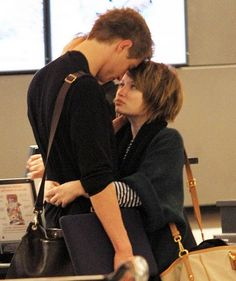 Cute couple: Emily Browning & Max Irons