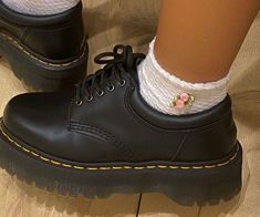 Dr Shoes, Hype Shoes, Sock Shoes, Me Too Shoes, Oxford Shoes, Sneakers Mode, Sneakers Fashion, Fashion Shoes, Dr. Martens