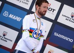 "2014, World Championships elite cronometro, Team Sky 2014, Wiggins Bradley, Ponferrada - God Save the Queen - ""It's been an up and down year,"" said Wiggins after his winning ride. ""I didn't ride the Tour, so I want to dedicate this to my family because my wife and kids were there for me through the whole summer and they had to put up with me in July. My last world time trial championships and I have a gold medal. What more can I say."" (Pic: Sirotti)"