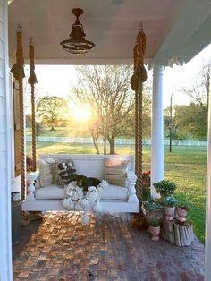 design pergola, 8 Stunning Master of Modern Farmhouse Style Decorating Ideas Style At Home, Country Style Homes, Country Life, Country Living, St Style, Southern Living, Modern Farmhouse Style, Farmhouse Style Decorating, Porch Decorating