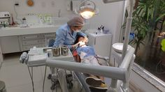 Tips for Easing Dental Fears Are you afraid of going to the dentist? 9 to of Americans avoid going to the dentist due to anxiety or fear. Some people even have dental phobia. People with dental. Dental Implant Procedure, Teeth Implants, Dental Implants, Dental Surgery, Dentist Near Me, Best Dentist, Dental Hygiene, Dental Health, Oral Health