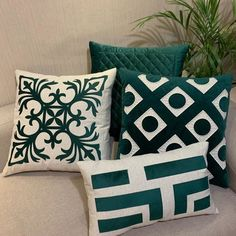 Decorative Pillow Cases, Decorative Items, Cute Pillows, Bed Pillows, Creative Beds, Tan Leather Sofas, Cushion Cover Designs, Velvet Cushions, Fancy Houses