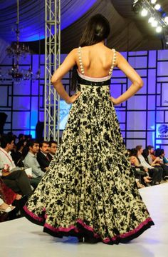 Pakistan Fashion week 2012 goes on the floor with a hint of culture and western touch. Indian Attire, Indian Wear, Indian Style, Pakistan Fashion Week, Western Wear For Women, Indian Party, Bridal Beauty, Party Looks, Indian Dresses