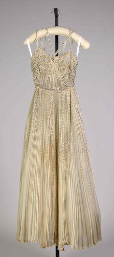 Evening dress Mme. Eta Hentz Date: ca. 1945 Culture: American Medium: Silk, sequins Accession Number: 2009.300.7284