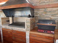 PERGOLAS Y QUINCHOS: quinchos Backyard Kitchen, Outdoor Kitchen Design, Patio Design, Backyard Patio, Outdoor Living, Grilling, Pergola, Bbq, Kitchen Appliances