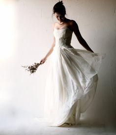 Matrimonio vestito, Boho Abito da sposa, Abito da sposa bohemien, romantico abito da sposa, Abito da sposa alternativa, spiaggia abito da sposa, senza spalline di larimeloom su Etsy https://www.etsy.com/it/listing/227281020/matrimonio-vestito-boho-abito-da-sposa