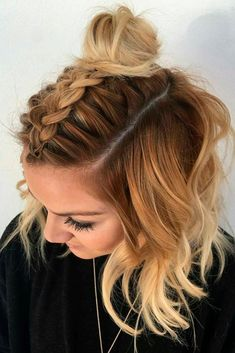 21 Lovely Medium Length Hairstyles to Wear at Date Night Prom shoulder length hair styles for girls - Hair Style Girl Medium Lenth Hair, Medium Hair Cuts, Medium Hair Styles, Curly Hair Styles, Cute Hairstyles For Medium Hair, Pretty Hairstyles, Straight Hairstyles, Rhianna Hairstyles, Hairstyles For Picture Day