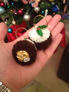 My favourite Christmas tree decoration knitted Ferrero rocher cosies! Knitted Christmas Decorations, Christmas Knitting Patterns, Knitting Patterns Free, Christmas Tree Ornaments, Etsy Christmas, Christmas Makes, Christmas Items, Handmade Christmas, Yarn Crafts
