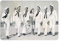 Horde of sailors
