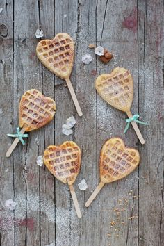 36 Sweet Finger Food Ideas For Your Wedding wedding :: heart-shaped waffle pops is a cute idea for a wedding Snacks Für Party, Party Treats, Waffle Pops, Waffle Sticks, Pancakes And Waffles, Breakfast In Bed, Food Lists, Crepes, Finger Foods
