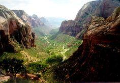 zion canyon: zion national park.