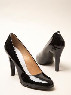 Martin Margiela women's Patent Round Toe Heels from pre- S/S 12 collection in black.