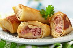Κρέπες με τυρί, ζαμπόν και μπεσαμέλ - http://ipop.gr/sintages/orektika/krepes-tiri-zampon-ke-mpesamel/