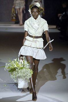 Louis Vuitton Spring 2007 Ready-to-Wear Fashion Show - Kinée Diouf
