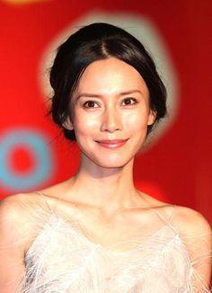 語学も堪能…演技派女優・中谷美紀の知性あふれる内面の美しさがまばゆい