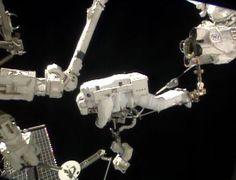 Luca Parmitano fuori dalla Iss, la prima 'spacewalk' di un italiano   DIREGIOVANI.it