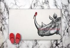 Hey, j'ai trouvé ce super article sur Etsy, chez https://www.etsy.com/fr/listing/229221390/rhino-et-tapis-de-bain-romantique