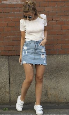 Stylish Denim Skirt Outfits Ideas To Makes You Look Stunning 28 Outfit Jeans, Denim Skirt Outfits, Vans Outfit, Legging Outfits, Denim Skirt Outfit Summer, Outfits With Jean Skirt, Jean Skirts, Dress Outfits, Jeans Dress