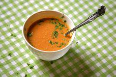 Mmmm wortelsoep met curry, gember en kokosmelk.