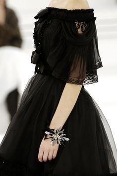 #Chanel Style Haute Couture, Couture Fashion, Runway Fashion, Couture Details, Chanel Couture, Lolita Fashion, Gothic Fashion, High Fashion, Outfit Vestidos