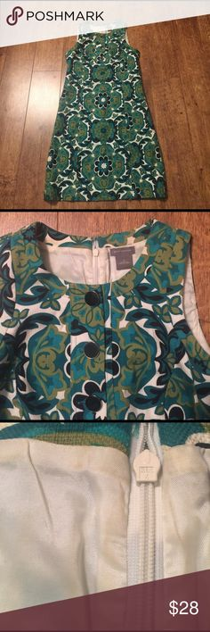 """Ann Taylor shift dress Adorable vintage patterned dress, zips up back, approximate measurements armpit to armpit 17 1/2"""", across waist 16 1/2"""", shoulder to hem 36 1/2"""", inside of dress at top has some markings from a spray tan but not visible at all from outside Ann Taylor Dresses"""