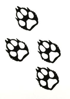 Our set of 4 wold paw tracks offers a high end approach to lodge and Adirondack decorating. The simplicity of these metal paw prints makes them the perfect accent for any nature-themed decor. These prints come with choice of a hammered black finish or a clear-coated, natural rust patina finish for indoor or outdoor use. SOLD AS A SET OF 4 Each print measures appx. 5.75 x 7 inches