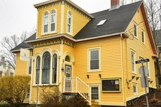 Top 16 Things to do in Lunenburg and around Lunenburg Lunenburg Nova Scotia, Stuff To Do, Things To Do, East Coast Style, Small Towns, All Over The World, Mansions, Architecture, House Styles
