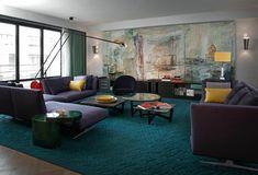Salón con encanto urbano y diseño átrctivo