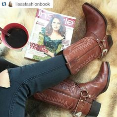Fashion moment. Coffee magazine and @sendra_boots #sendra #sendraboots #highquality #handmadeboots #madeinspain #loveboots #fashionboots #fashion #design #trend #look #streetstyle #style #outfit #ootd #outfitoftheday #bestoftheday #photooftheday #picoftheday #cowboy #cowgirl #western
