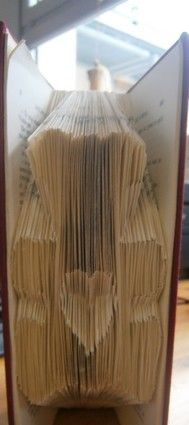 nounours coeur camille Camille, Book Art, Wood, Pattern, Crafts, Book Folding, Recycling, Paper Pieced Patterns, Manualidades